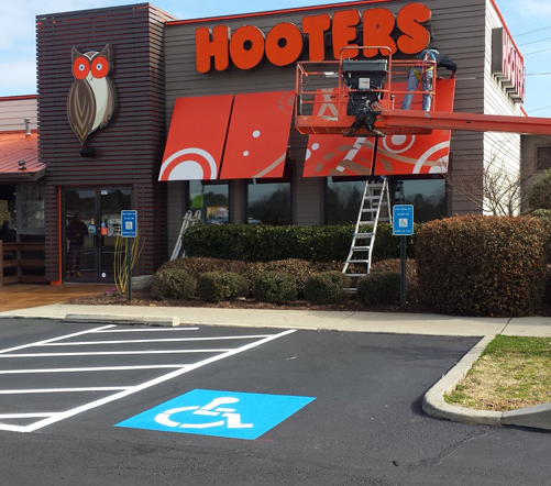 Druid Hills asphalt paving at Hooters