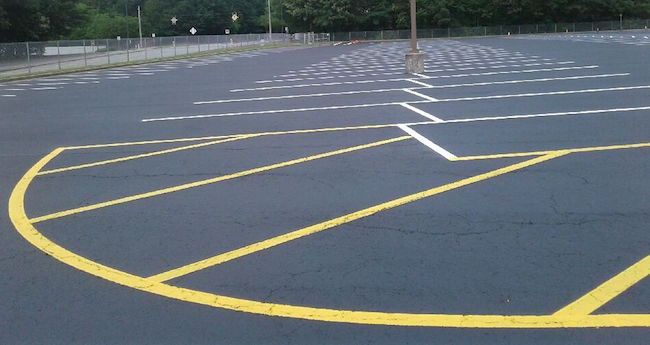 curved line striping